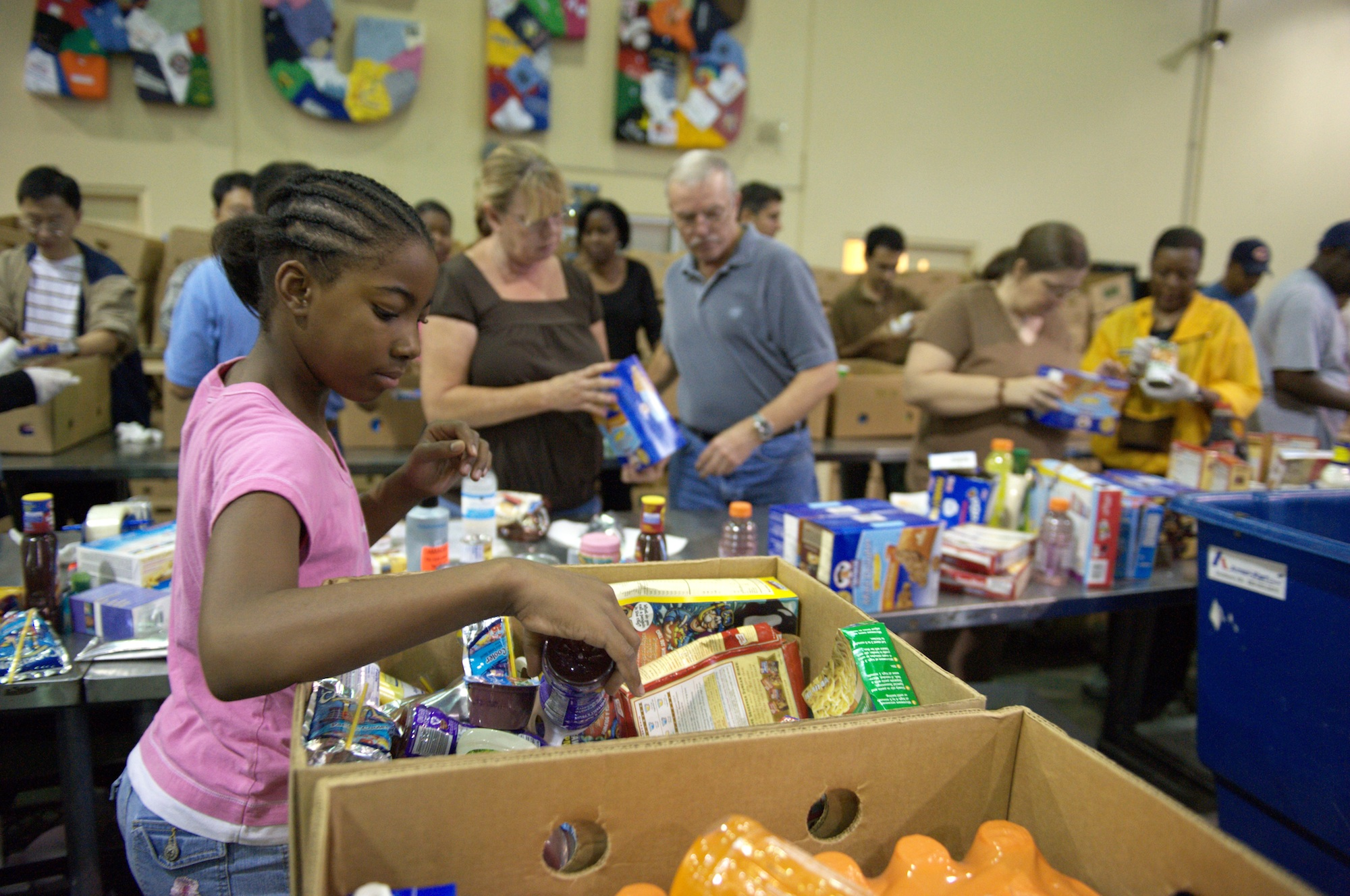 September 19, 2009 - Atlanta, Georgia, United States -  Fill Up at the Food Bank